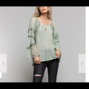 New Sage woven top with lace